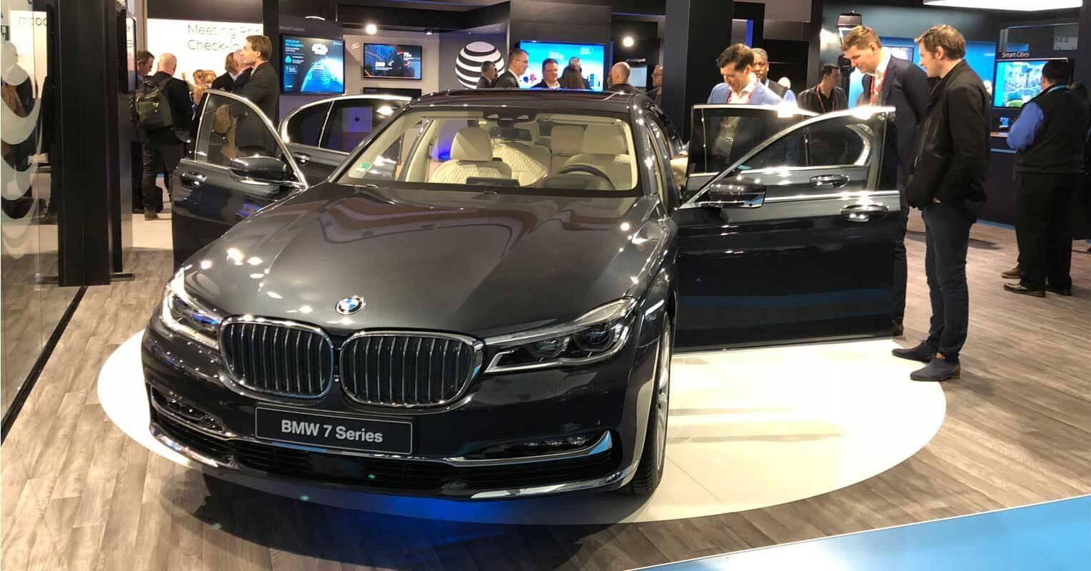 BMW Serie 7 con las puertas abiertas
