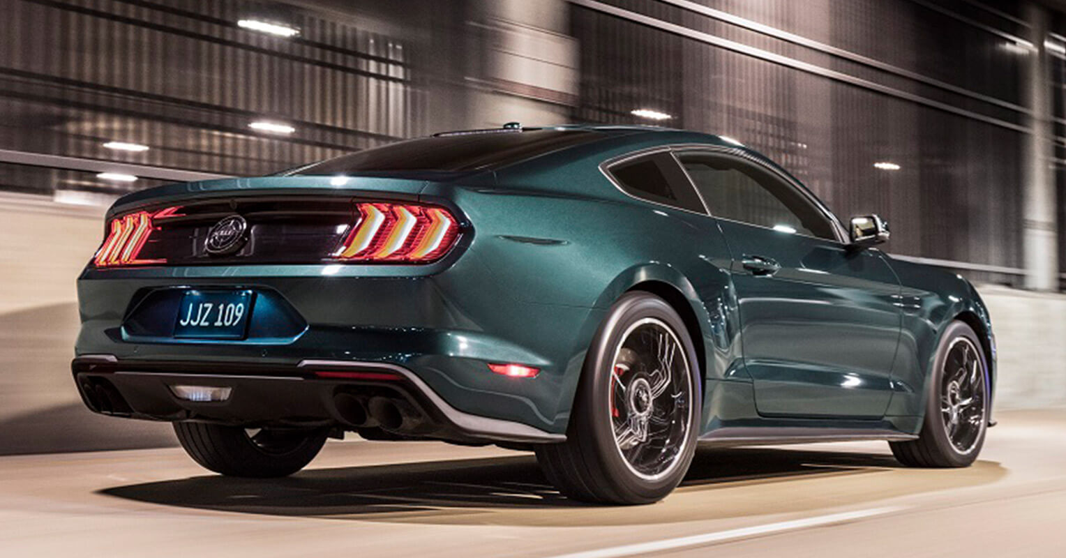 Ford Mustang Bullitt trasera