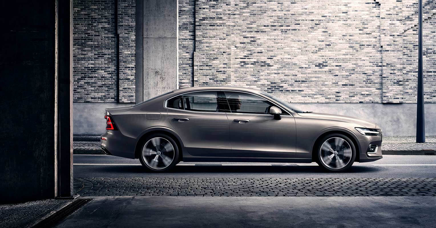 Volvo S60 2019 lateral