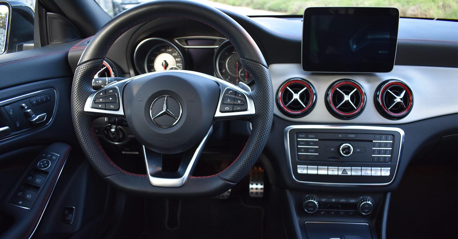 Interior del Mercedes CLA AMG