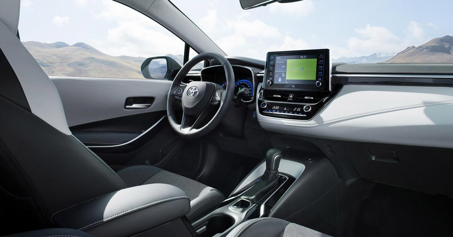 Interior del Toyota Corolla Hybrid Touring Sports